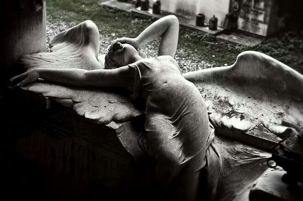 Grieving Angel at Ribaudo family tomb, Onorato Toso, Staglieno Cemetery, Genoa, Italy, 1910. Мрамор, Academic Sculpture, Длиннопост