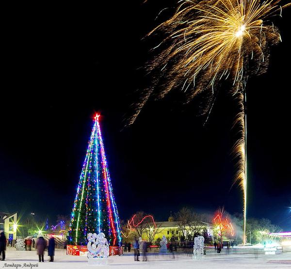 Новогодняя ночь в маленьком городке Новый Год, Ёлка, Салют, Площадь, Праздники
