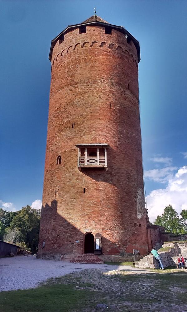Башня Турайдского замка
