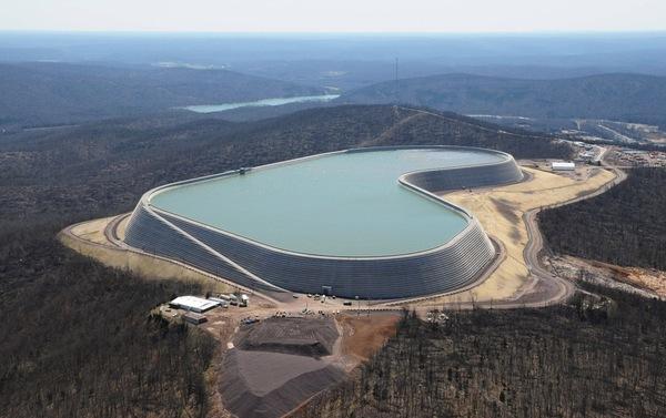 Так выглядят примерно 3.8 миллиарда литров воды