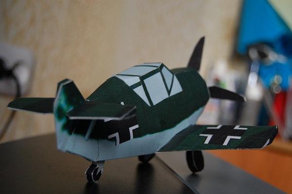 К взлету готов Из бумаги, Самолет, Bf109