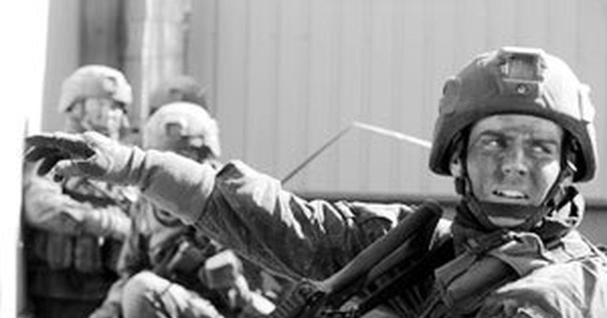 Насрал на рожу военные