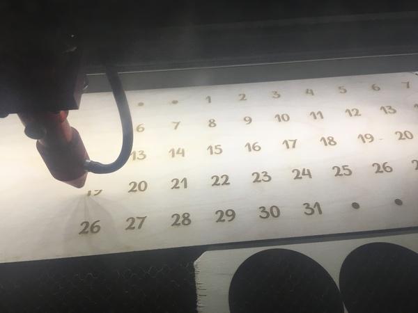 Сделал вечный календарь своими руками, календарь, дерево, лазер, длиннопост
