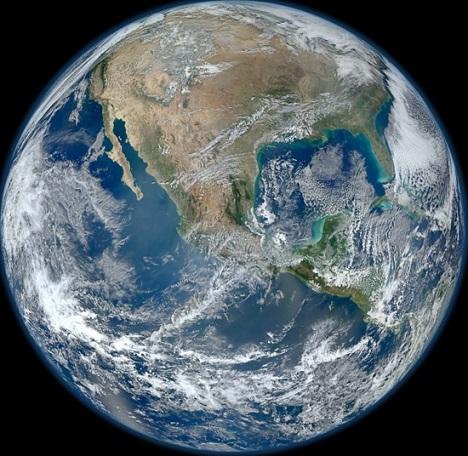 Какая из этих двух фотографий земли фальшивая? NASA is a Hoax, Фотография, Космос, NASA, Фейк, НАСА, Земля, Снимки из космоса