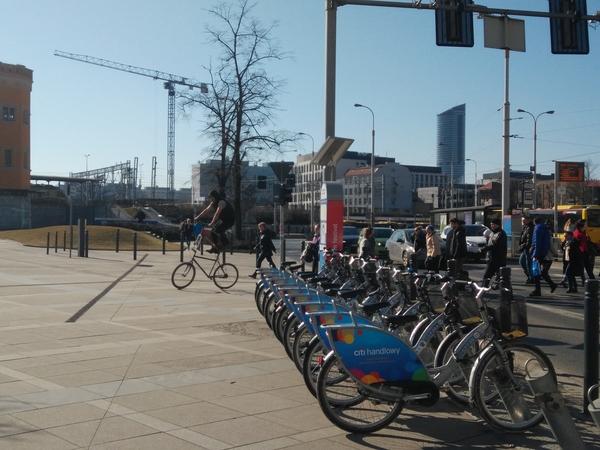Двухэтажный велосипедист Велосипед, Высота, Акробат, Польша, Странности