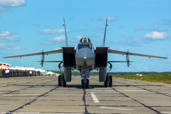 Гражданский журналист МиГ-31, фотография, авторские права, lifenews