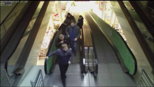 Банда подростков с пистолетом напала на сверстников в красноярском сквере Красноярск, ЯУмруВКрасноярске, розыск, беспредел
