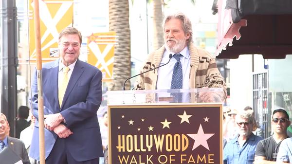 Джон Гудман получил звезду на голливудской Аллее славы Фильмы, Джон Гудман, Джефф Бриджес, Бри Ларсон, Том Хиддлстон, Голливуд, Аллея Славы, длиннопост