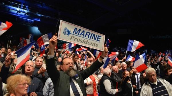 Французы потребовали от Европарламента прекратить преследование Марин Ле Пен Политика, Франция, Марин ле Пен, Французы, Неприкосновенность, Народ, Кандитат, Европорламент