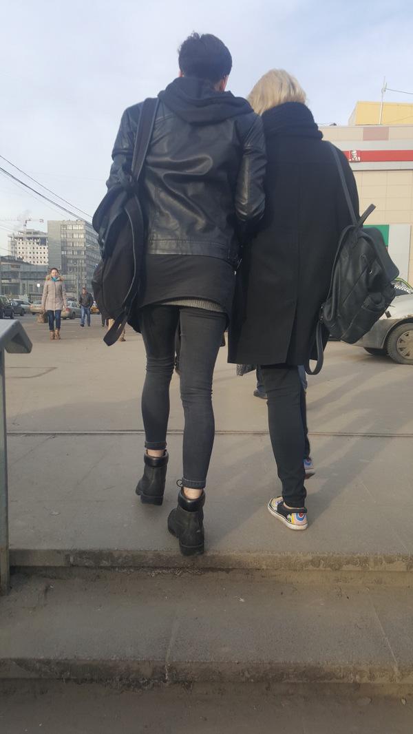Мода она такая Модник, Подруга