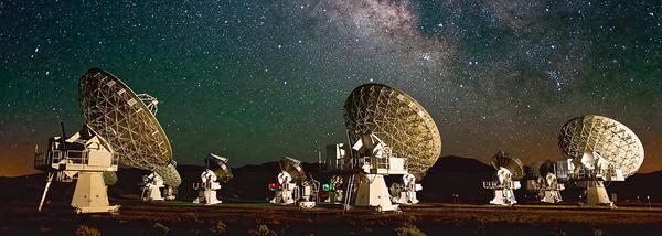 Космос под присмотром // Астрофизики наблюдают рождение Вселенной, попивая чай у себя в кабинете Астрофизика, Космос, ученые, вселенная, МГУ, телескоп, КШ, статья, длиннопост