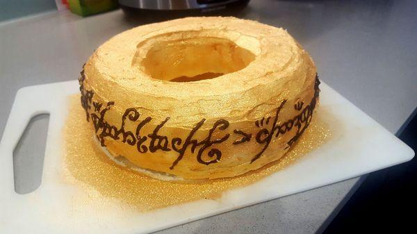 И торт один, чтоб править всеми...