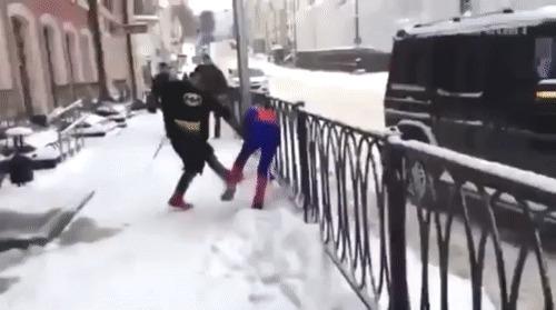 Бэтмен против Человека-паука
