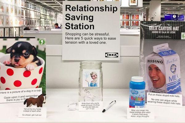 В бербанкском IKEA появилась «Станция спасения отношений» ИКЕА, Отношения, Ссора, Эксперимент, Длиннопост, Эльза, Холодное сердце, Смешная шапка