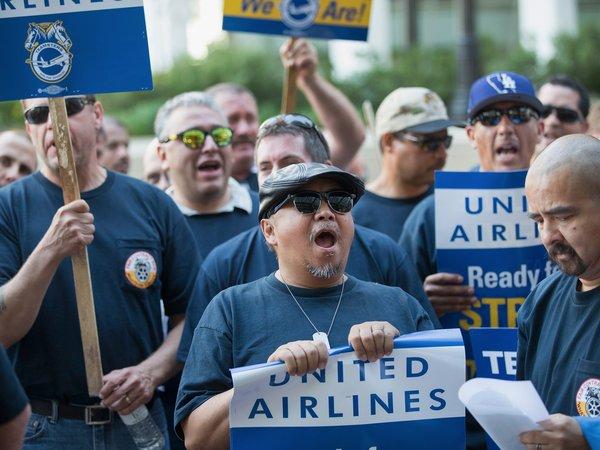 United Airlines - история про еще одного пассажира united airlines, беспредел, новости, Lentaru