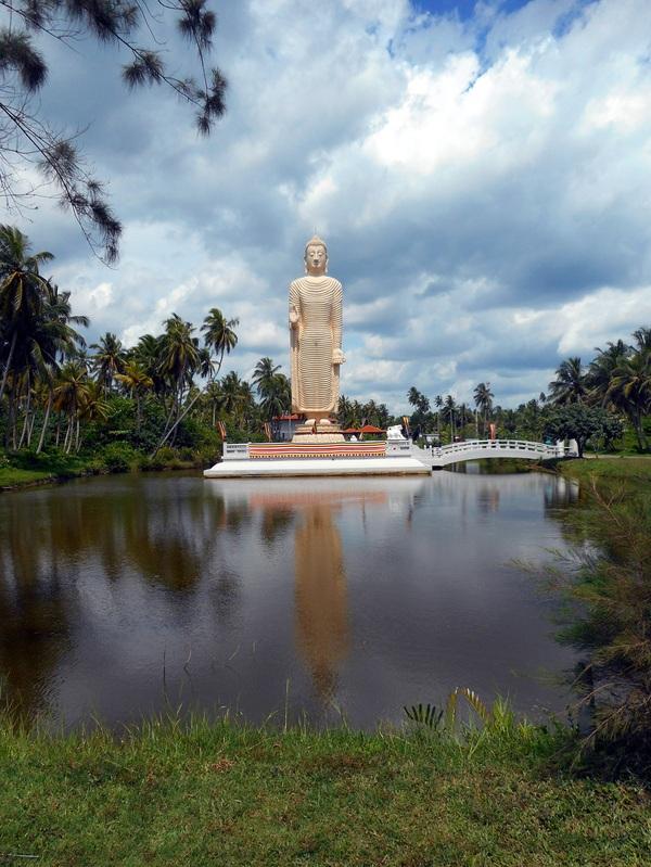 Мемориал Цунами (Шри-Ланка) Фотография, Шри-Ланка, Будда, Цунами, Статуя, Мемориал