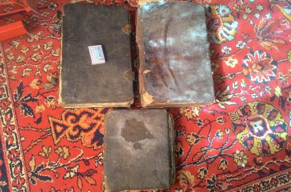 Чего только не найдешь на чердаке в деревне. длиннопост, книги, монета, старое, находка