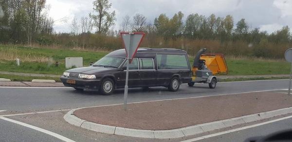 Оказывается, кроме кремации и погребения доступен третий вариант