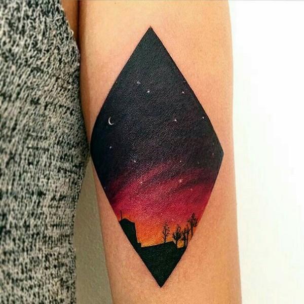 Кусочек ночного неба на руке