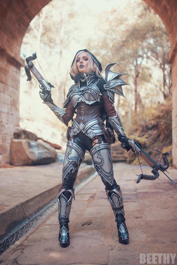 Косплей Demon Hunter (Diablo III)