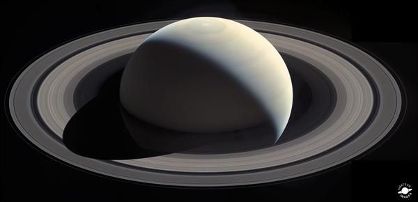 Великолепный Сатурн космос, Сатурн