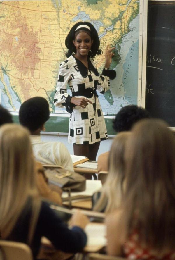 Модная учительница, 1969 год.