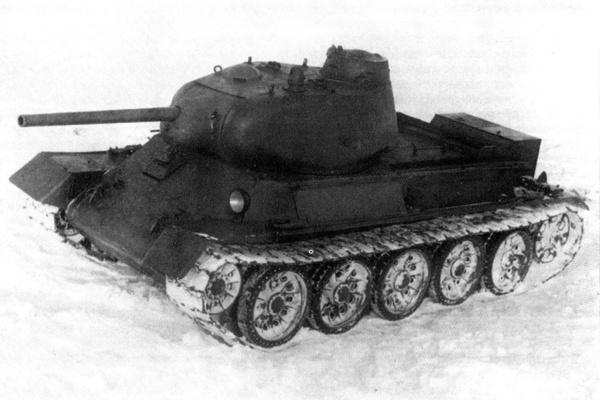 Общий вид спереди на первый вариант опытного среднего танка Т-43 перед испытаниями прототип, танки, техника, броня, вторая мировая война, фототехника, Редкость, Интересное