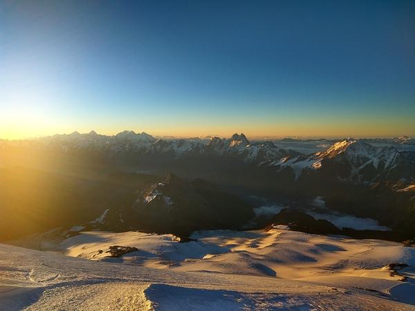 Рассвет на высоте 5100м. Эльбрус Эльбрус, Кавказ, Рассвет, Путешествия, Альпинизм, моё