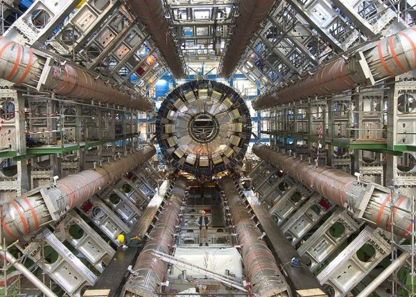 На БАКе заметили намек на сверхтяжелую частицу наука, новости, коллайдер, сверхтяжелая частица