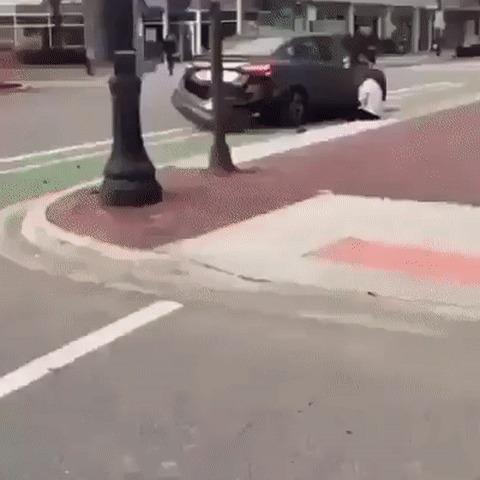 И еще немного о велодорожках велосипед, Велодорожка, негодование, авария, гифка