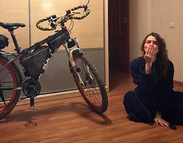 Велопутешественница не общается с мамой, но едет к ней в Магадан путешествия, собака, такса, Россия, путешествие по России, магадан, велосипед, Велопутешествие, длиннопост