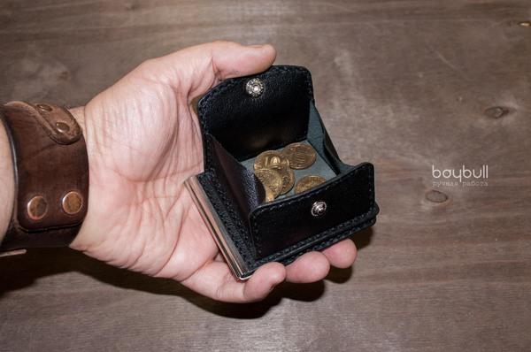 Маленький зажим для купюр с большим карманом  для мелочи. Зажим для денег, Для купюр, Кожа, Кожаный, Черная кожа, Для монет, Длиннопост