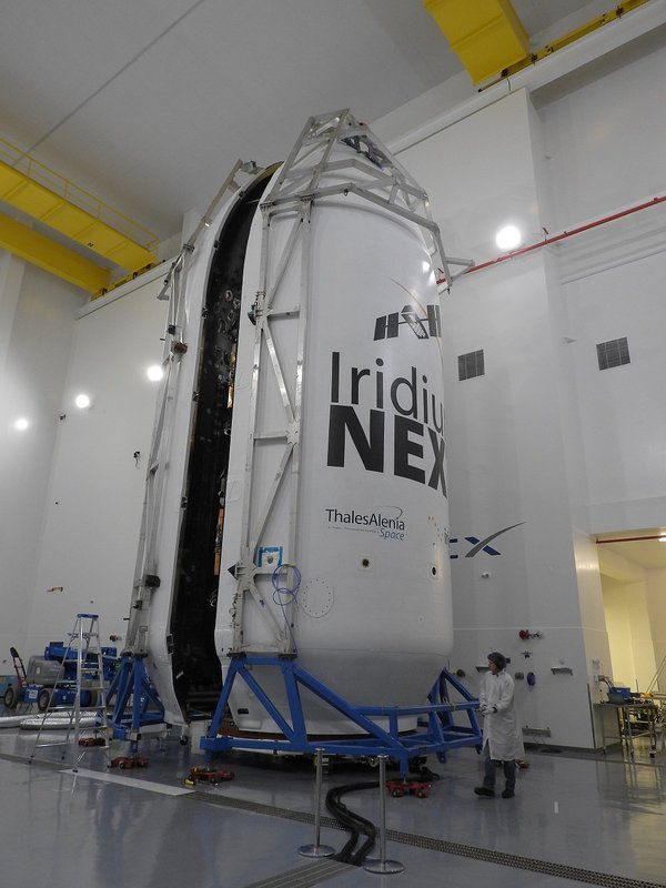 SpaceX проведет два пуска Falcon 9 за 48 часов spacex, Falcon 9, Многоразовая ракета, освоение комоса, длиннопост