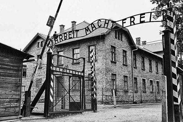 Недавно к нам приехала семья немцев из Аргентины ... Россия, освенцим, нацисты, челябинск, можем повторить
