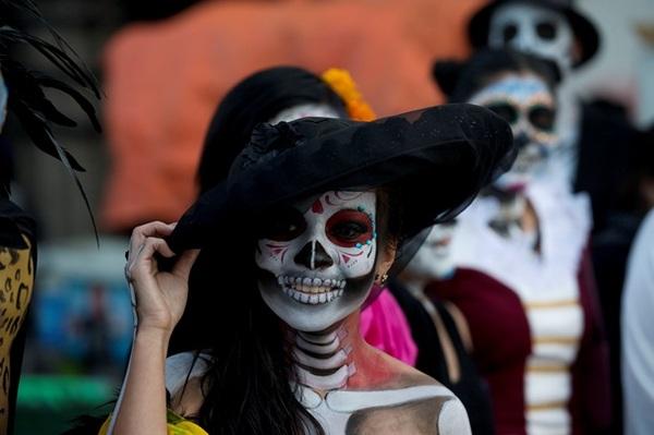 Мексиканская любовь к смерти. День мертвых и культ Санта Муэрте Истории, Легенда, Мифы, Мексика, День мертвых, Санта Муэрте, Смерть, Праздники, Длиннопост