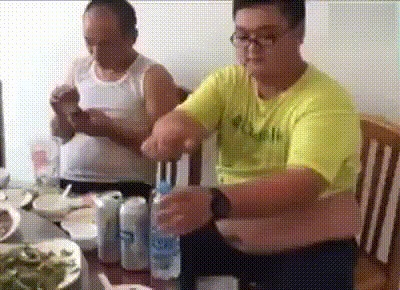 Когда пьешь алкоголь при родителях.