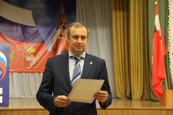 Бывшего мэра Копейска, бравшего взятки фаршированными осетрами, осудили на 4,5 года криминал, новости, Копейск, политика, взятка, мэр, единая россия, длиннопост