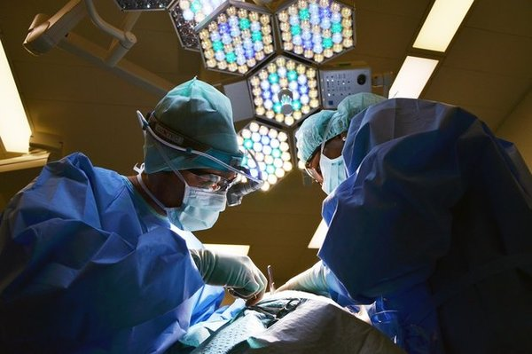 Хирурги смотрели футбол во время операции Кубок конфедераций, Футбол, Чили, Португалия, Пенальти, Операция, Хирургия, Видео