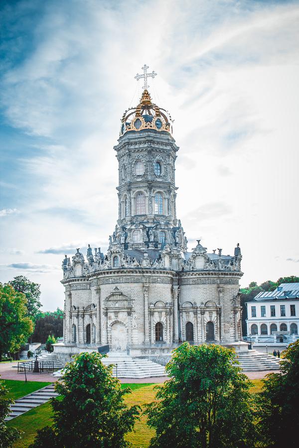 Испания? Франция? Нет, Подмосковье! Знаменская церковь (Дубровицы).