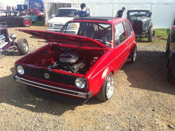 Мал, да удал Volkswagen Golf, V8
