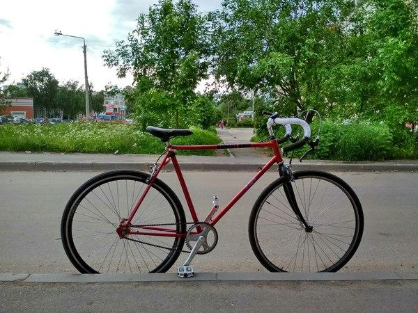 Старуха на велосипеде на седле хуй фото 338-142