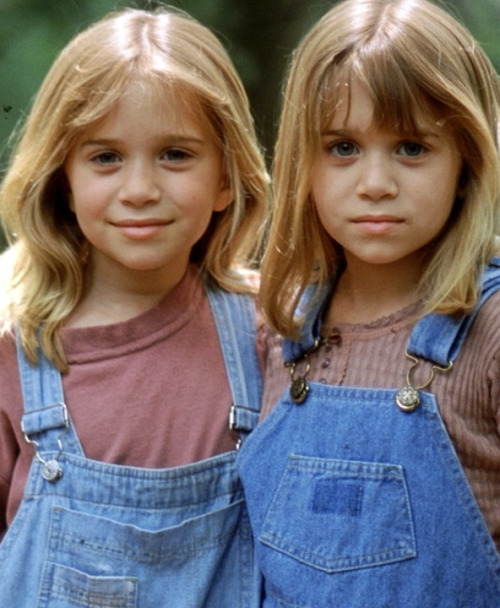 Мери-Кейт и Эшли Олсен в детстве