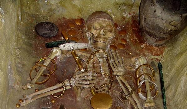 Тайна самого древнего золота мира. Погребение V-го тысячелетия до н.э. погребение, история, Золото, древнейшее, загадка, золотой член, длиннопост