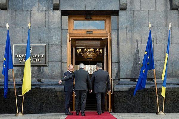 Не суетись под клиентом, дешёвка Политика, аналитика, мнение, Украина, порошенко, Евросоюз, евродепутаты, длиннопост