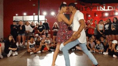 Предложение в танце :))