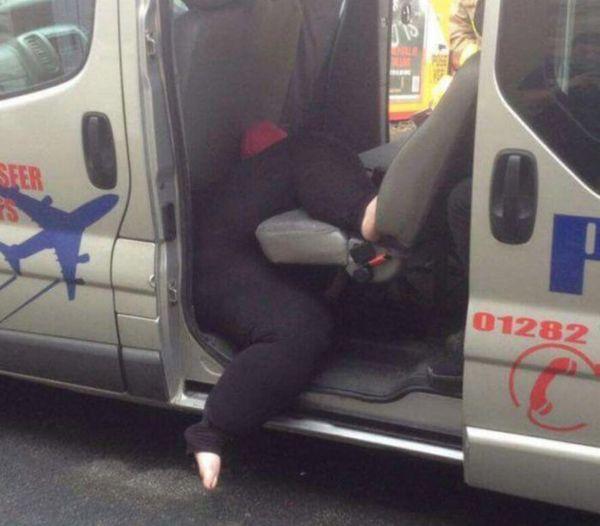 Жирная женщина застряла в такси Жирная женщина, застрял, Гриффины, видео, длиннопост