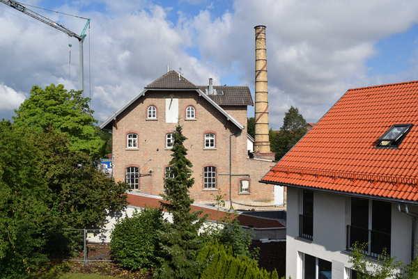 Cтранное здание Германия, отель, беженцы
