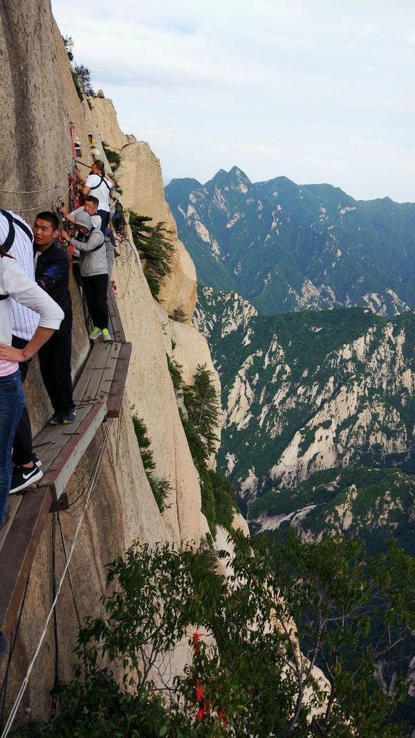 Миф из Китая. Тропа смерти Китай, Мифы, Хуашань, Горы, Тропа смерти, Опасность, Видео, Длиннопост