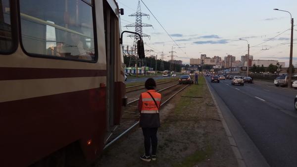 Тот случай, когда забыл, что ты не трамвай. Авария, Трамвай