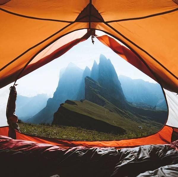 Шикарный вид из палатки. Италия